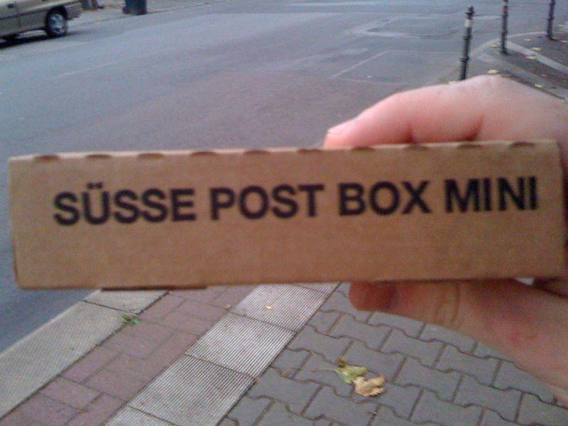 """Süsse Post Box Mini"" mit Blutampullen"